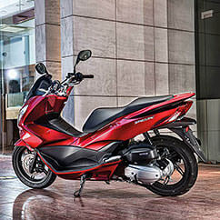 pcx125-scooter-2015-037_242